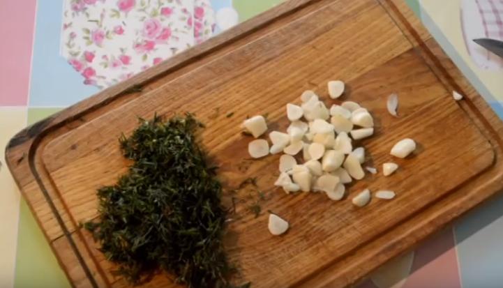 малосольные огурцы в кастрюле рецепты быстрого приготовления с фото и видео