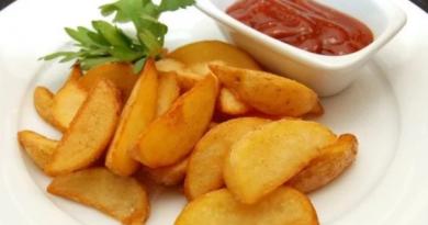 Картофель по-деревенски запеченный в духовке — 5 лучших рецептов