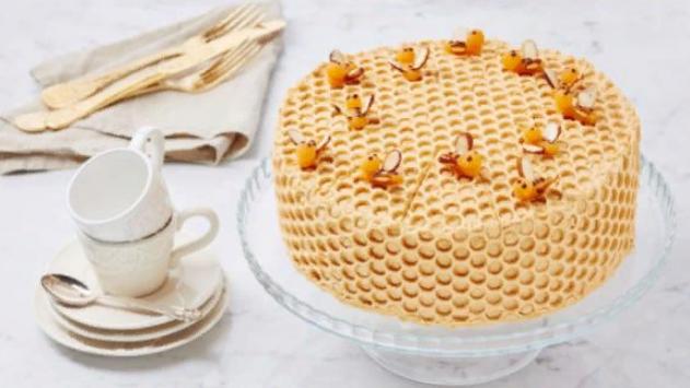 Торт Медовик классический — 7 пошаговых рецептов с фото